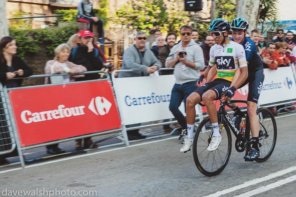 Egan Bernal sobre bicicleta de Chris Froome - Etapa 5 Vuelta a Cataluña (Ph. davewalshphoto) - Escarabajos Colombianos
