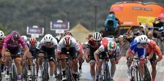 Fernando Gaviria - Etapa 3 Giro de Italia sprint (Ph. Giro d'Italia tw) - Escarabajos Colombianos