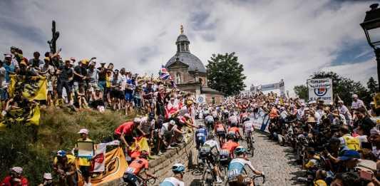 Tour de Francia Etapa 1 - Ph. Le Tour de France fb - A.S.O Pauline Ballet - Escarabajos Colombianos