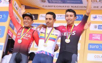 Nairo Quintana con Egan Bernal y Dani Martínez en Tunja