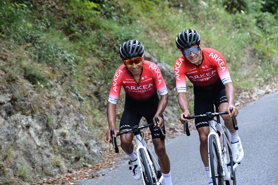 Nairo Dayer Emotivo mensaje - ph. equipo Arkea Samsic - Mont Ventoux www.ciclismocolombiano.com