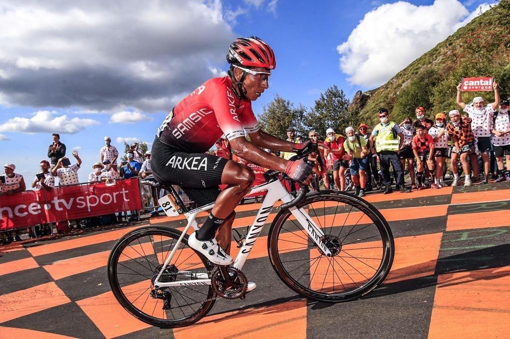Nairo médico Tour de Francia 2020 Ph: Arkea Samsic tw - www.ciclismocolombiano.com