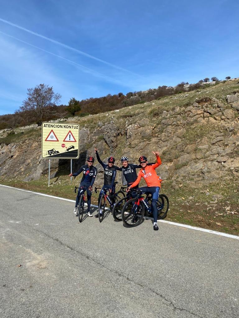Richard Carapaz entrena Vuelta a España 2020
