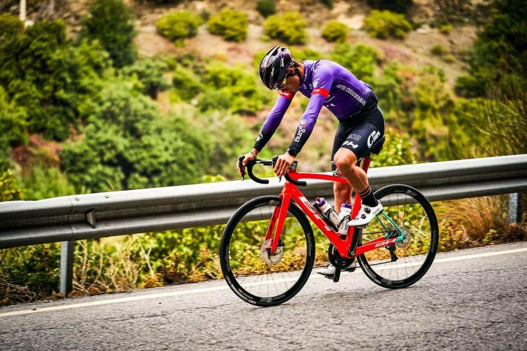 ciclista español anuncia su retiro del ciclismo