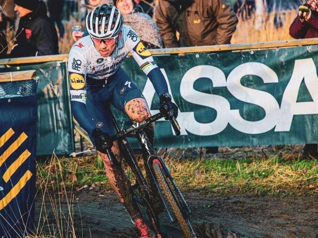 director Deceuninck Quick Step dura crítica ciclocross