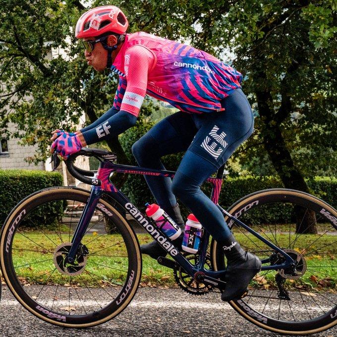 hora salida crono colombianos Vuelta a Cataluña 2021