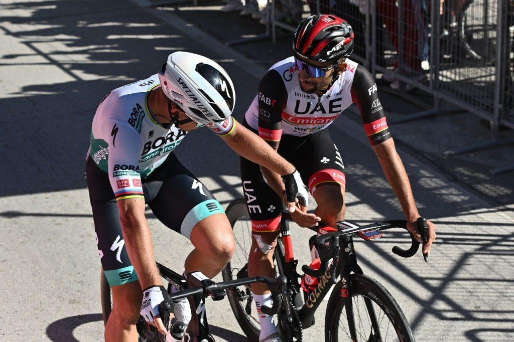 Gaviria Sagan etapa 15 maglia ciclamino Giro 2021