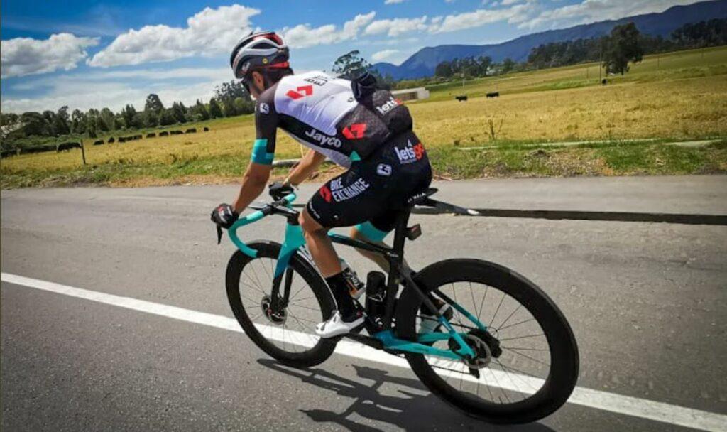 Esteban Chaves recibe mensaje del Bike Exchange, tiene motivación para ganar en el Tour