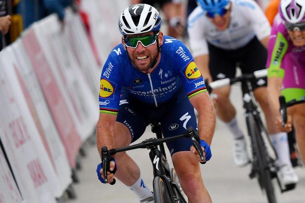 Cavendish irá por victoria de etapa en Tour de Francia