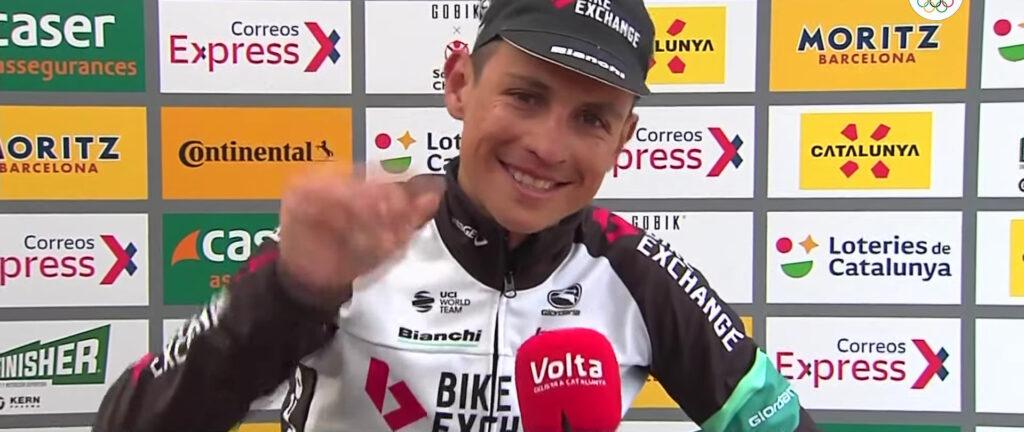 Esteban Chaves saludando