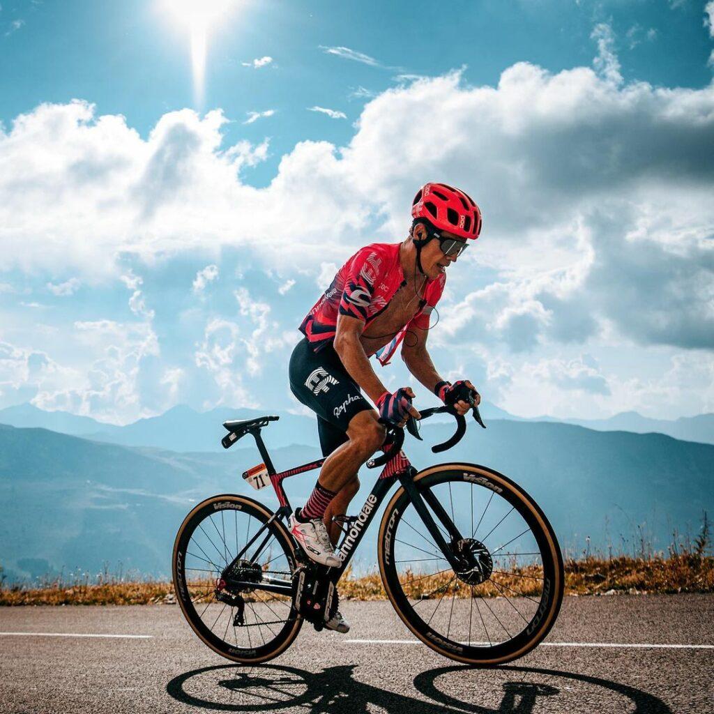 Rigoberto Urán expulsado Tour DE Francia 2021