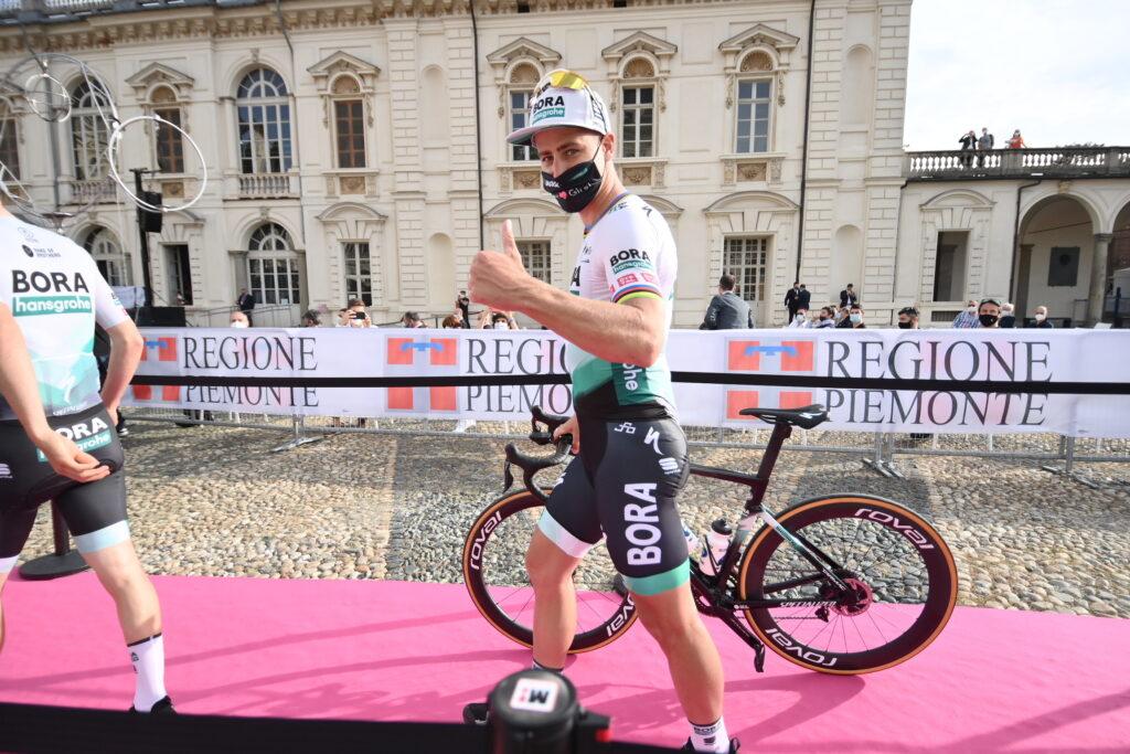 Peter Sagan con su cicla