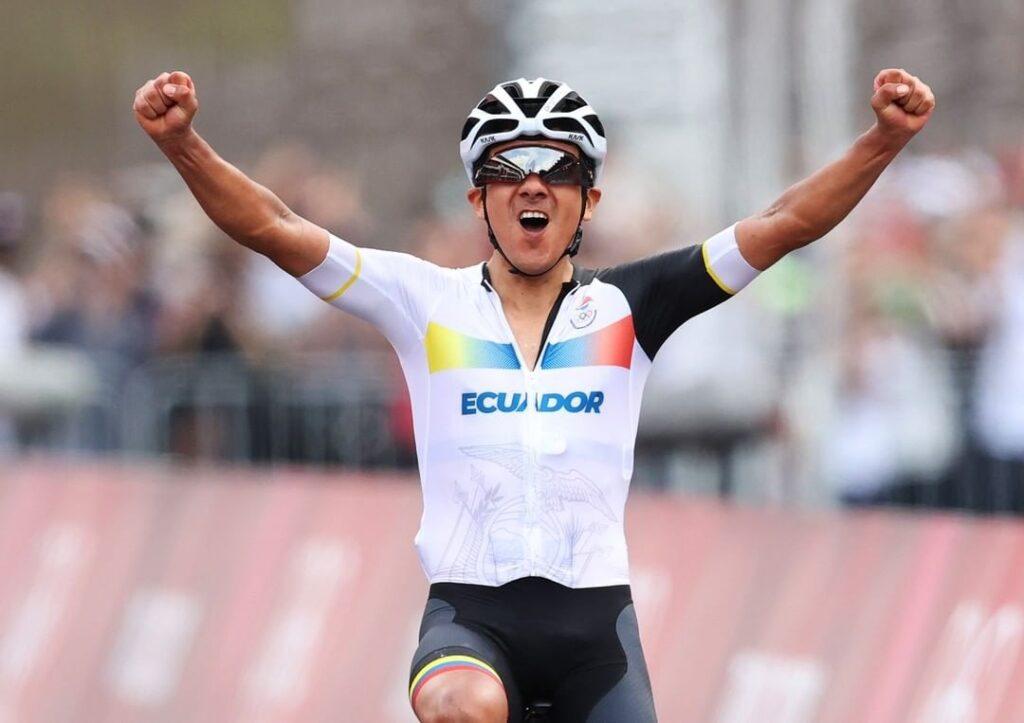 carapaz encuentro ciclistas colombianos tras Tokio 2020