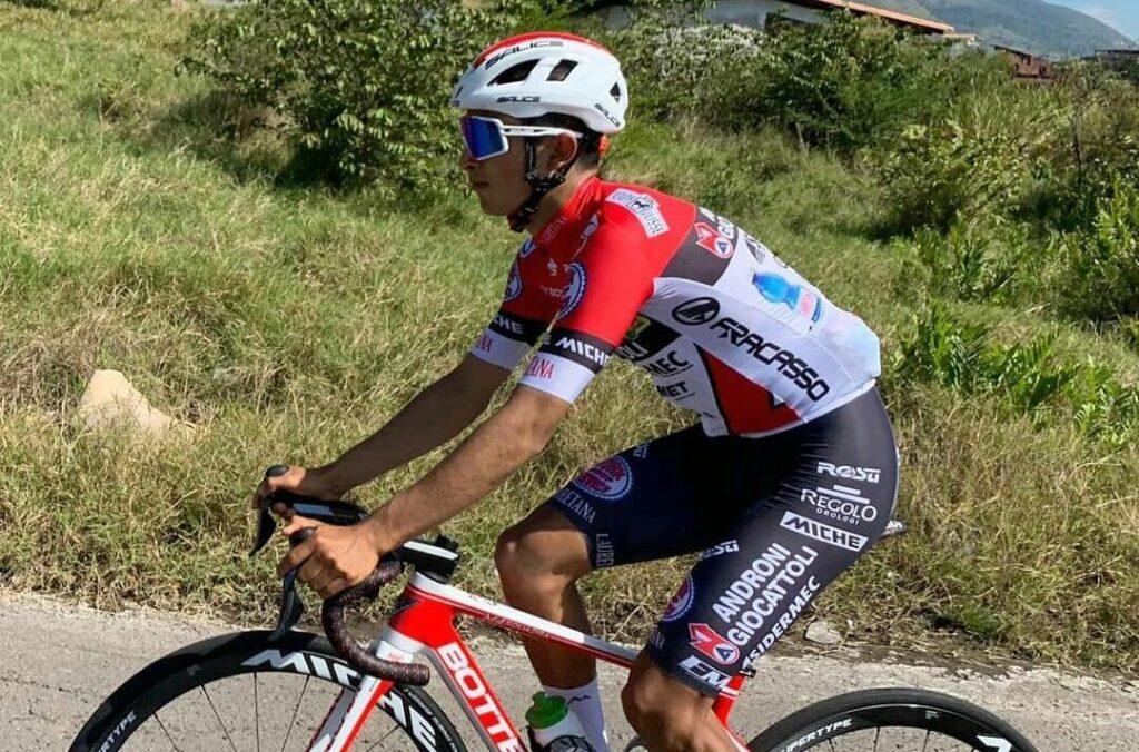Santiago Umba gana etapa 1 Tour de Saboya 2021