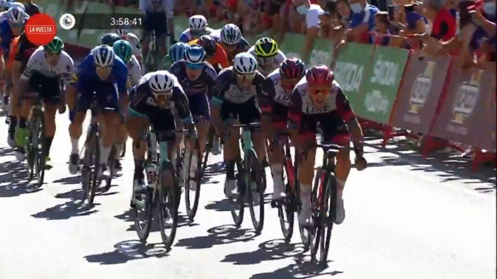 Sebastián Molano potente sprint etapa 2 Vuelta 2021