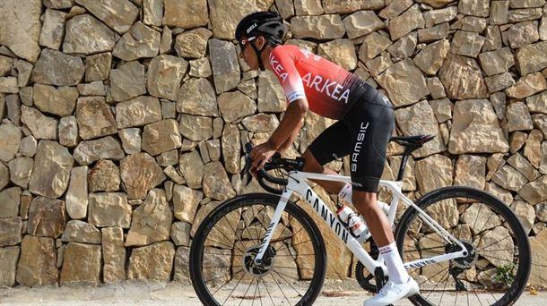 Arkea Samsic Nairo en medio de carrera