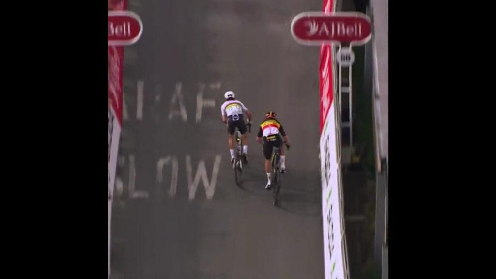 Alaphilippe sprint etapa 3 Bretaña 2021