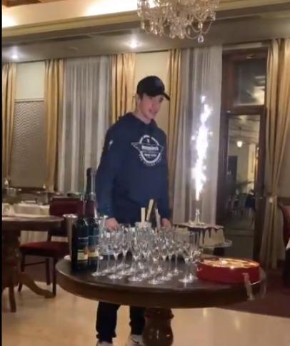 Álvaro Hodeg celebra cumpleaños victoria etapa 1 Tour Eslovaquia 2021